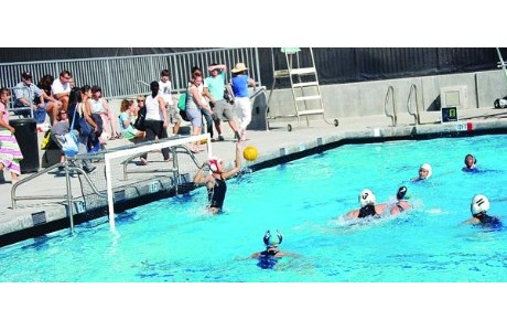 girls water polo.jpg